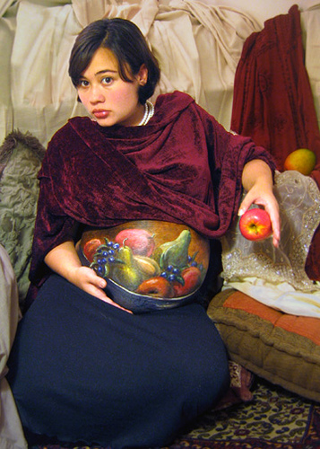 Pregant-belly-painted-as-bowl-of-fruit