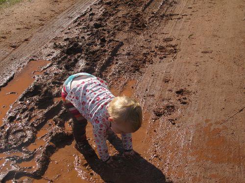 Sylvie-in-mud (2)