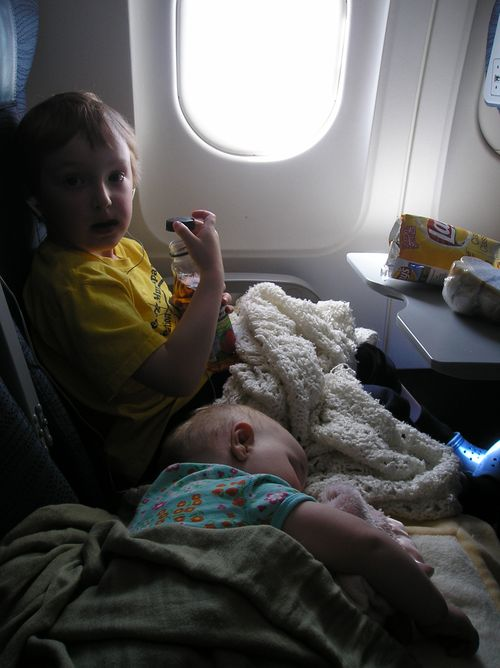 Luke-and-sylvie-on-the-plane