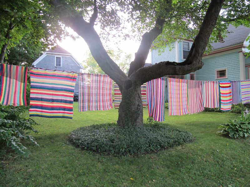 Striped-blankets-on-clothesline-8