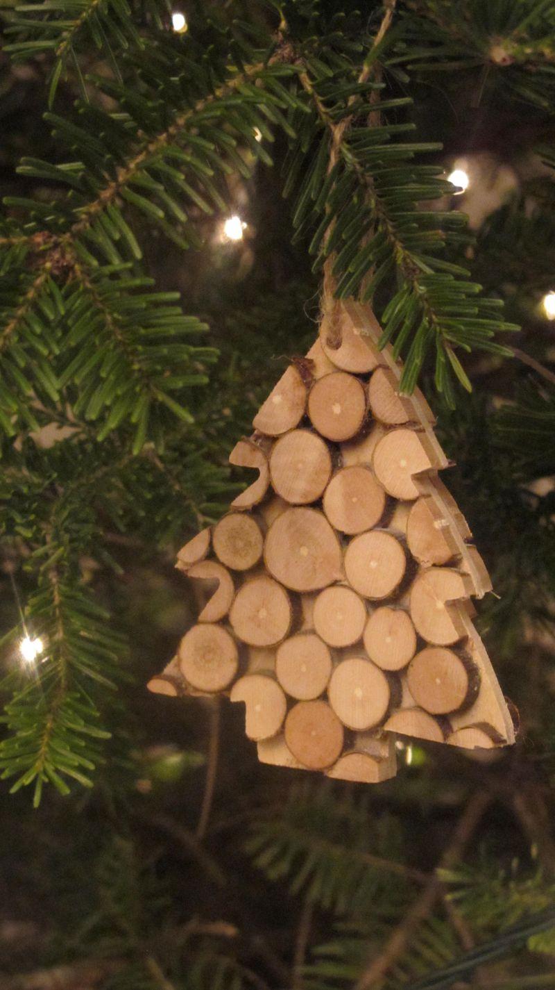 Wooden-dots-tree-ornament