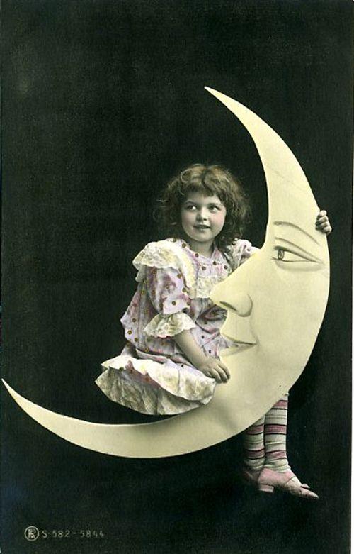 Little-girl-on-paper-moon
