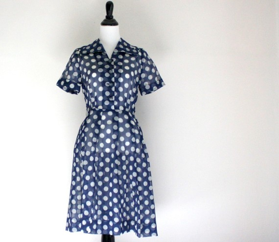 1940s-vintage-blue-and-white-polka-dot-dress