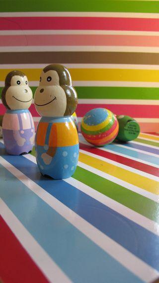 Striped-monkey-bowling-3