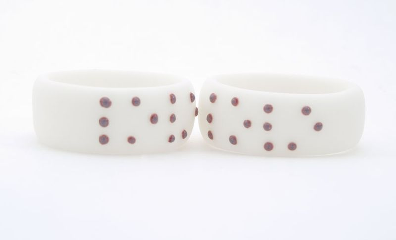 Love-braille-ring