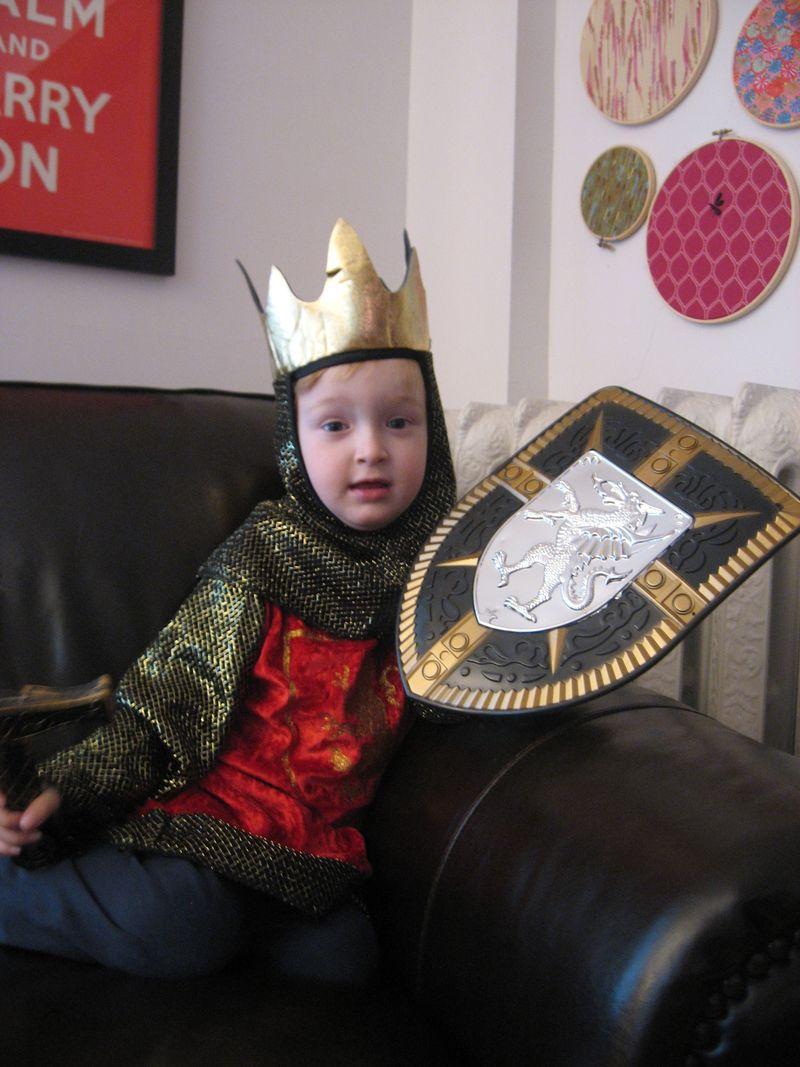 Luke-in-king-costume