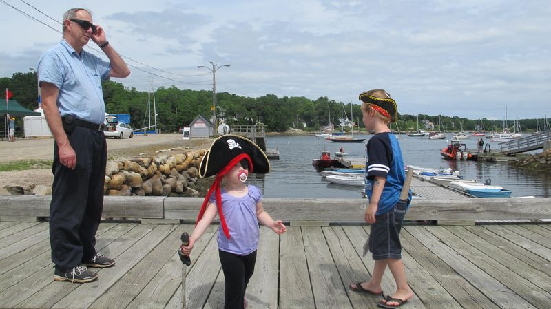 Pirates-invade-mahone-bay