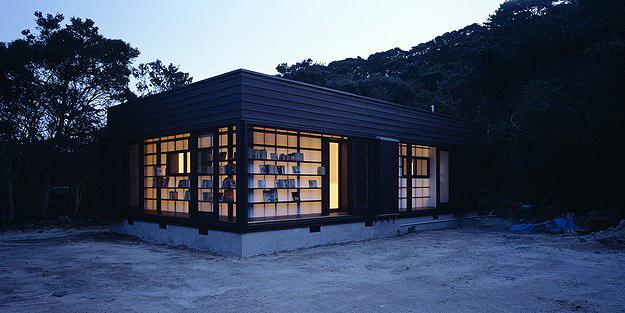 House-Made-From-Bookshelves-4