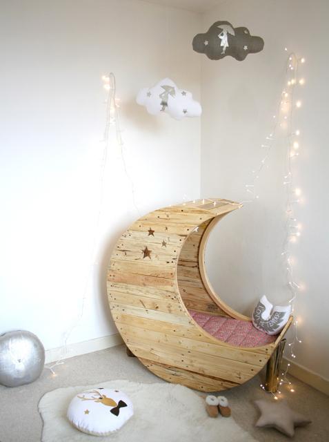 Moon-cot