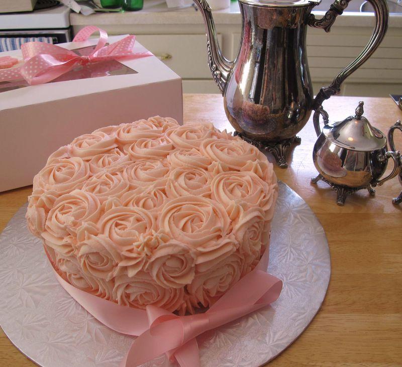 Mama-really-loves-the-cake