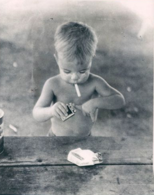 Toddler-smoking