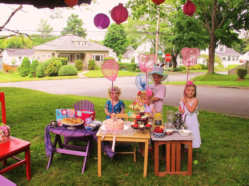 Tea-party-butterfly-hunters
