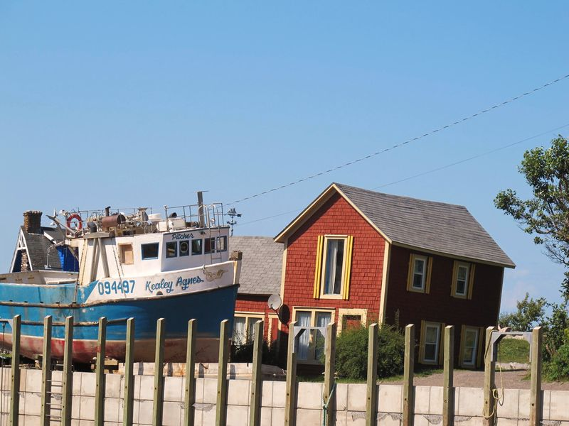 Crooked-house-harbourville-1