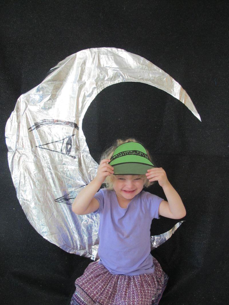 Sylvie-the-moon-retro-hat