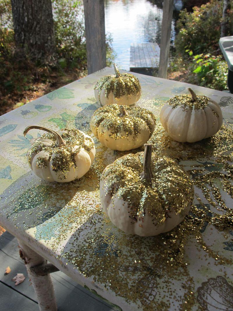 Glitter-pumpkins-3