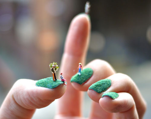 Miniature-landscape-nails