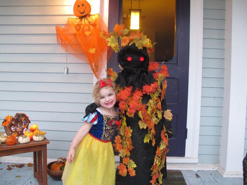 Sylvie-luke-halloween-costumes