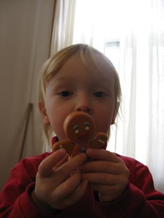 Luke_and_the_gingerbread_man_edit_2