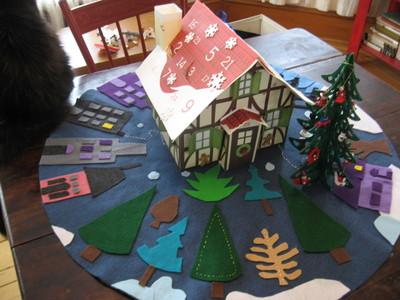 Martha_stewart_advent_cottage_4