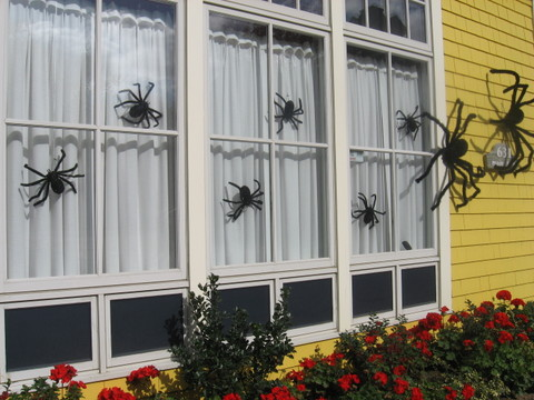 Spiderhalloweendecorationsforhouse_
